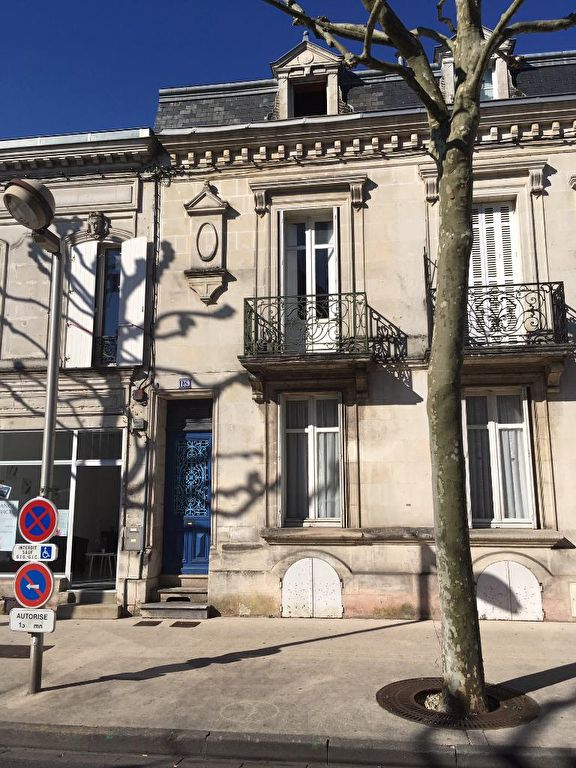 Saintes (17) centre - Maison de ville