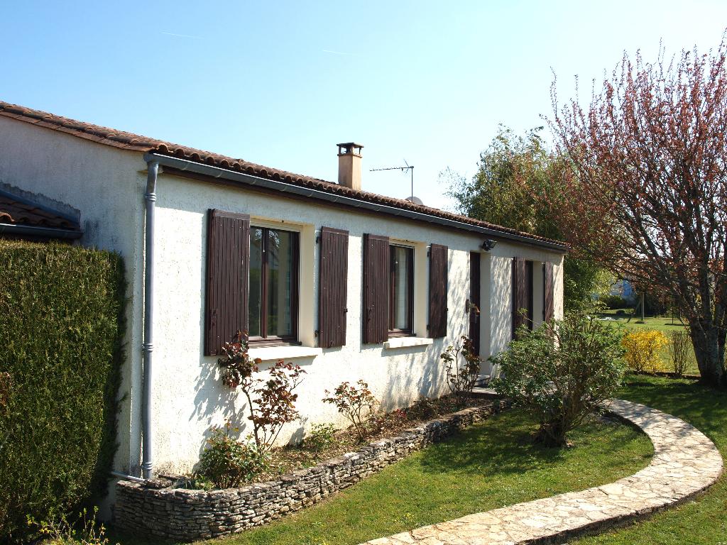 Maison de plain-pied proche de Saintes (17)
