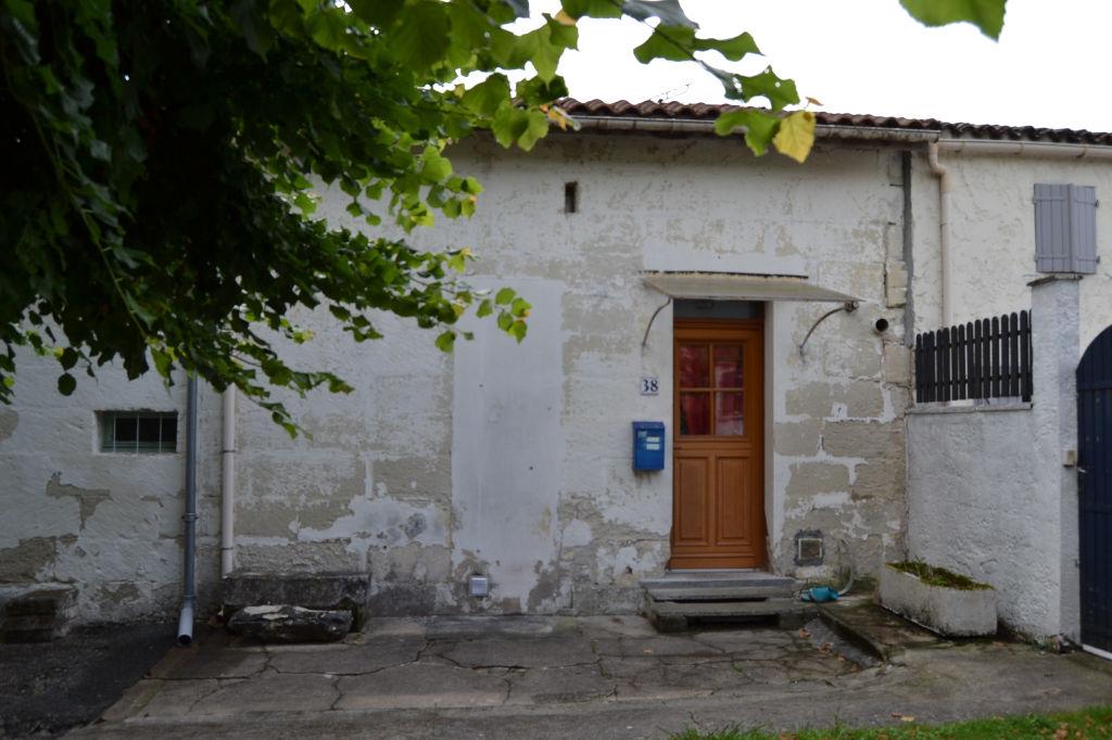 Saintes (17) rive gauche - maison de ville