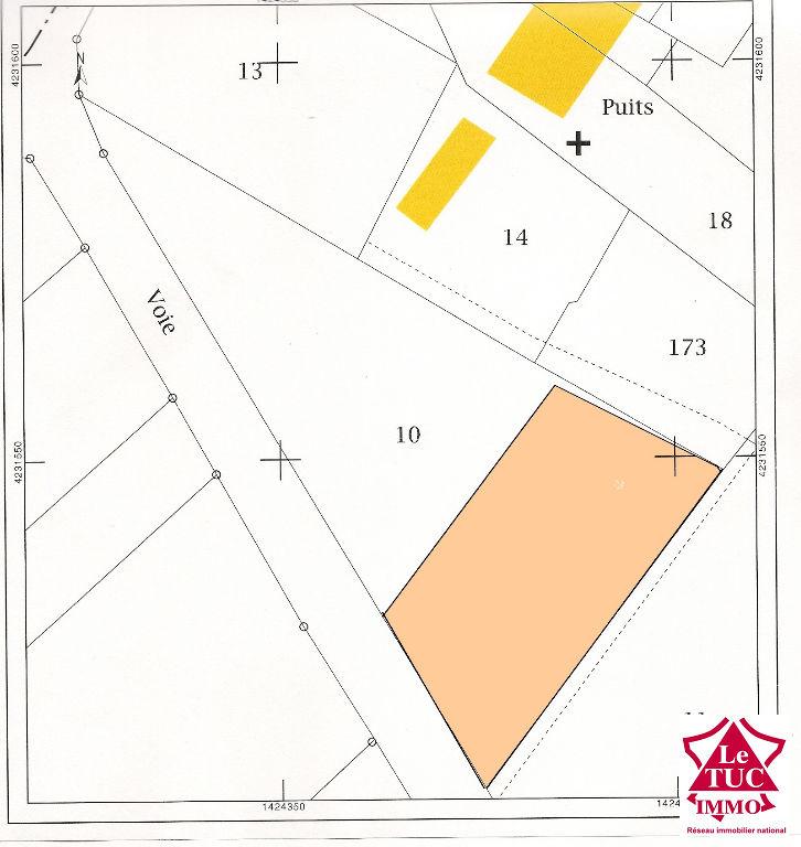 REIGNAC Terrain à bâtir d'environ 1 200 m²