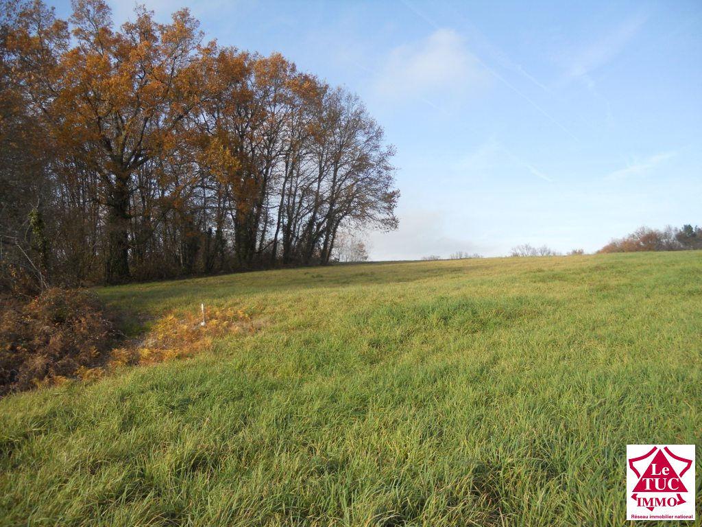 SOUSMOULINS, terrain constructible 2040 m² plein sud