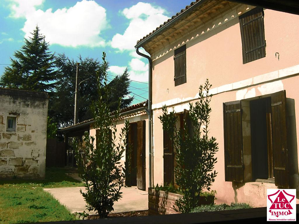 Agréable maison en pierres - Proche Bourg sur Gironde