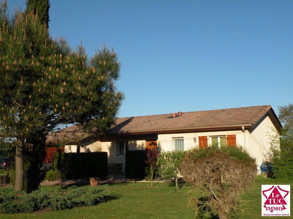 Maison 110m² plain pied sur 19 000 m² à Reignac