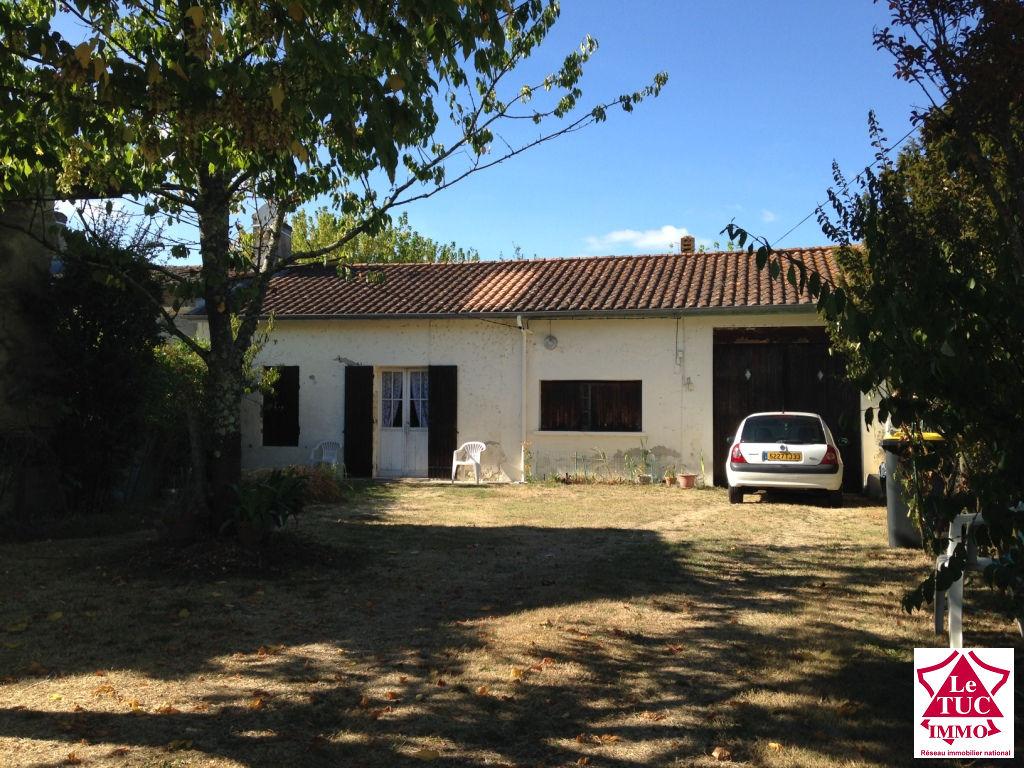 CIVRAC DE BLAYE Maison 4 piéces à restaurer