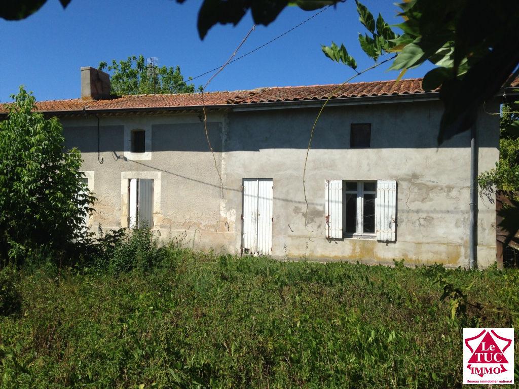 CIVRAC DE BLAYE, Maison à restaurer entièrement