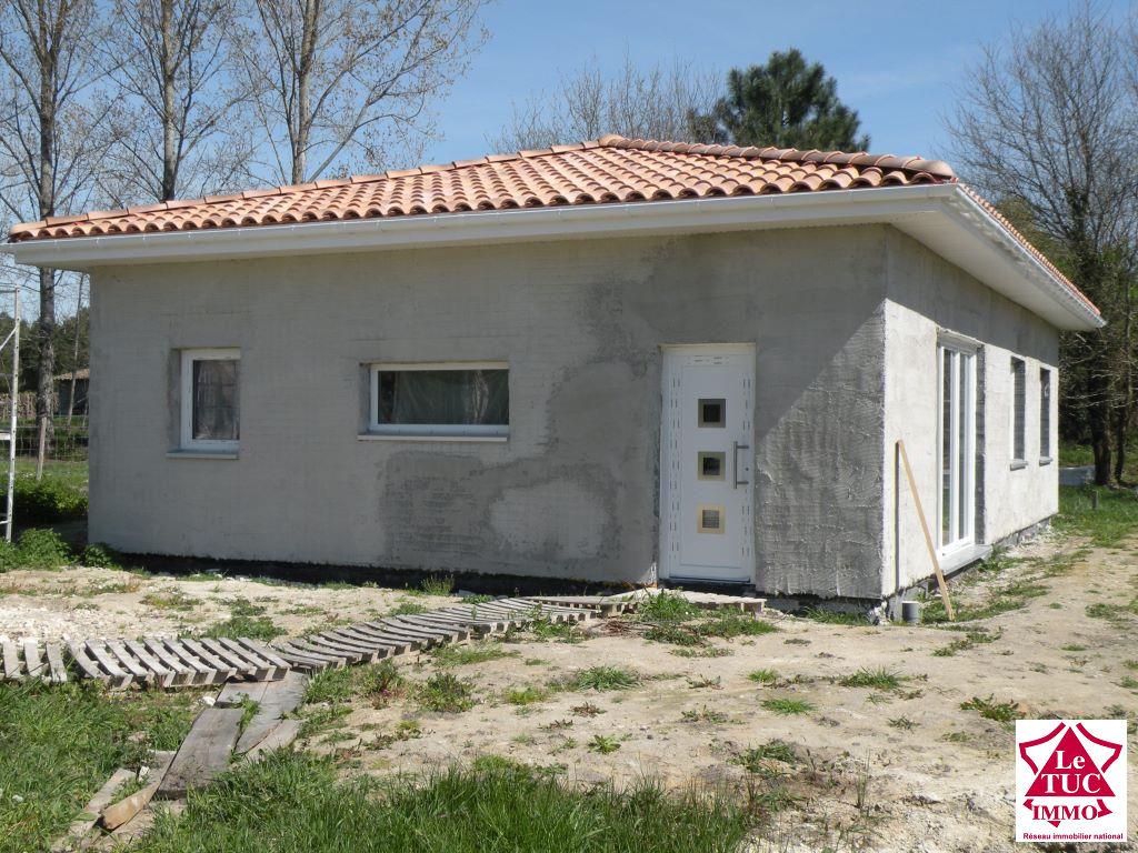 Maison  2016  de 92 m² finie selon votre goût sur 1 069 m² à Reignac