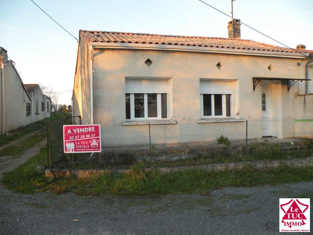Maison plain pied sur  jardin  de 300 m²  à St Ciers/Gironde