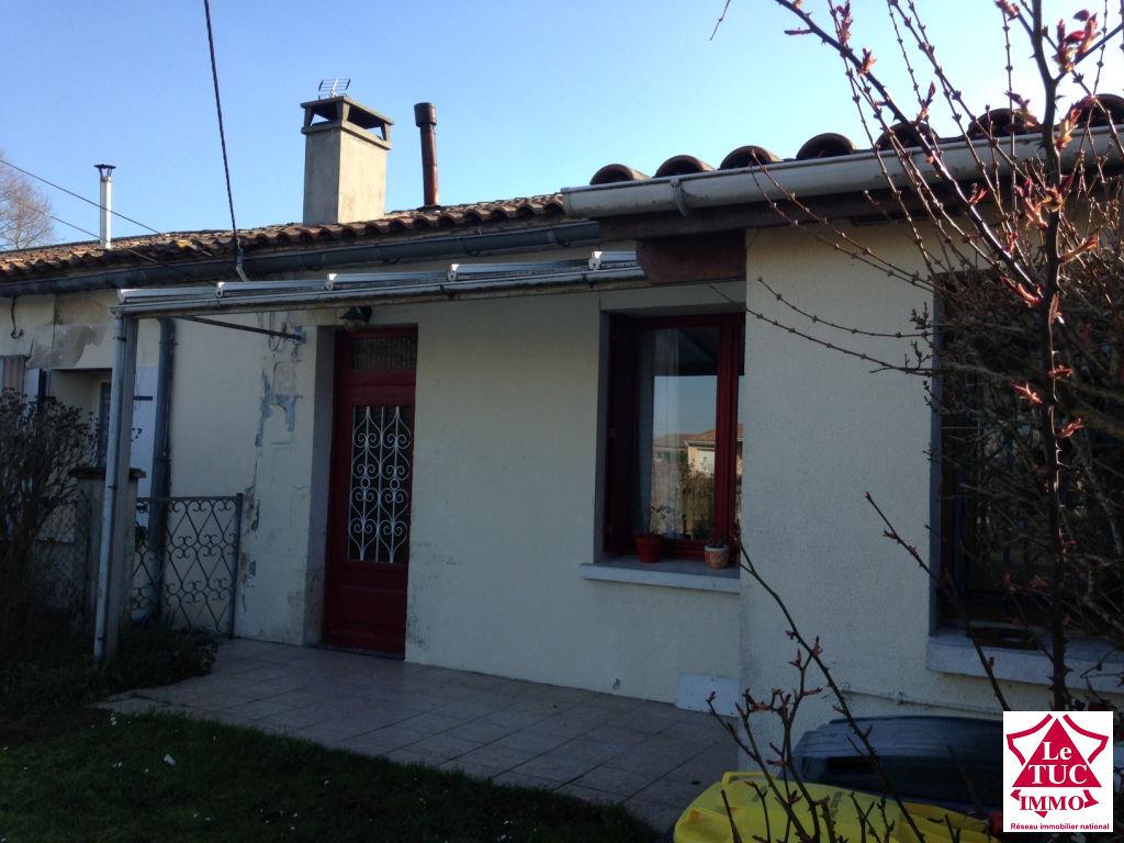 ST CIERS SUR GIRONDE Maison  en pierres130 m2 sur 715 m²