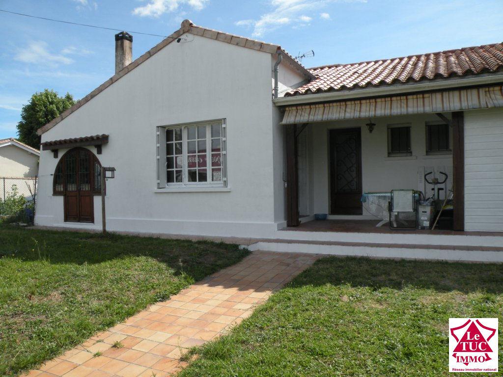 ST CIERS/GIRONDE Maison 140 m²  4 chambres sur 757 m²