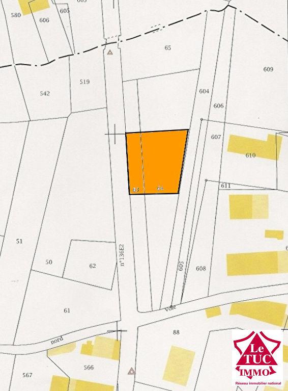 DONNEZAC Terrain à bâtir d'environ 1 000 m²