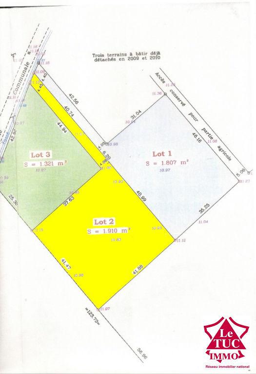 SAINT AUBIN DE BLAYE Terrain à bâtir de 1 910 m²