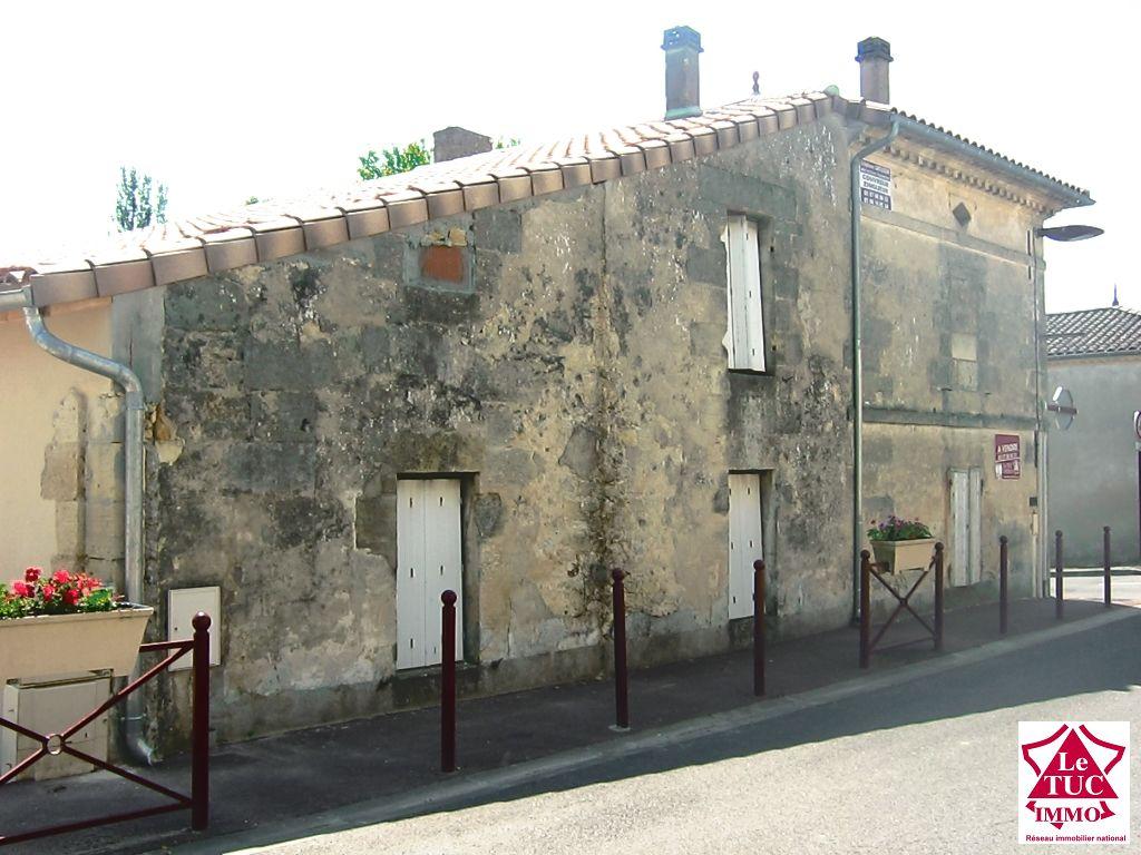 Jolie maison en pierres à restaurer - TAURIAC