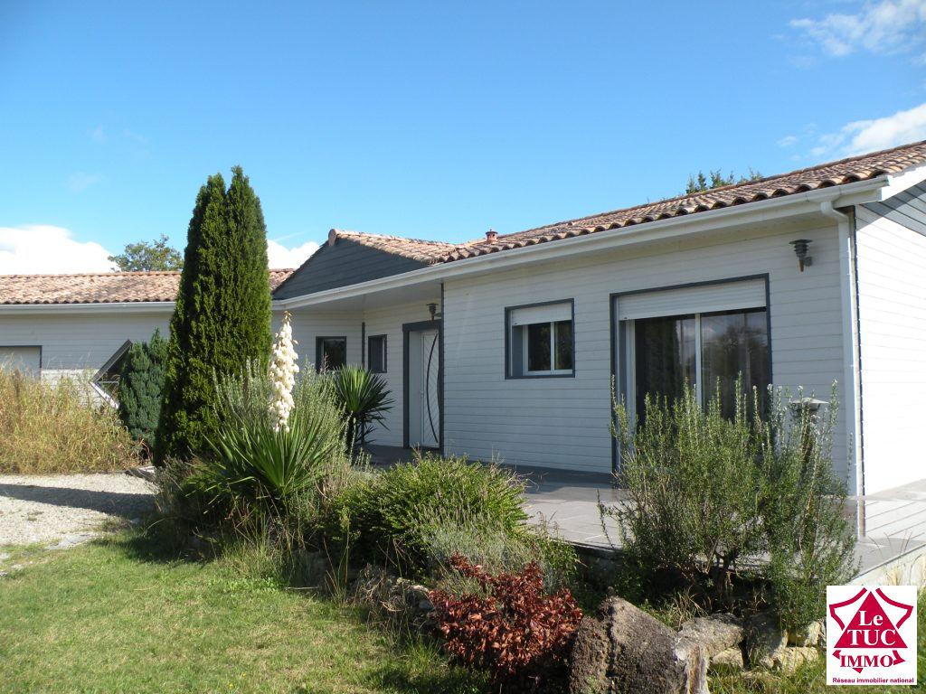 ETAULIERS Maison récente 180 m² sur 11 235 m²