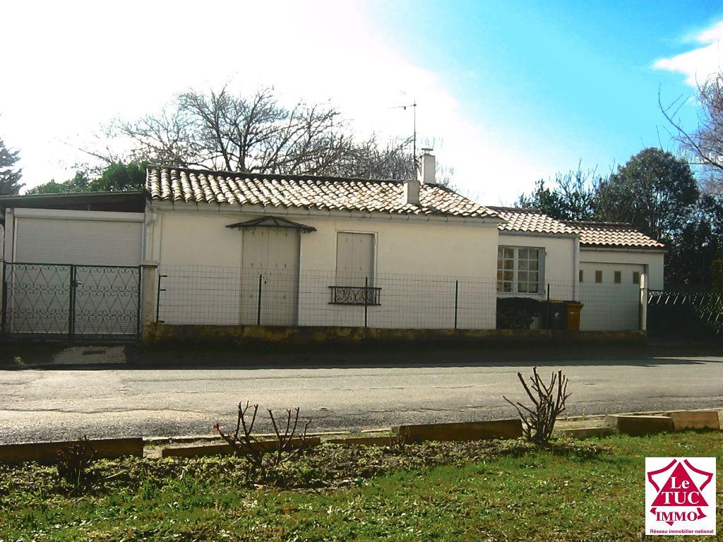 Maison en pierres plain-pied - Secteur BOURG sur GIRONDE