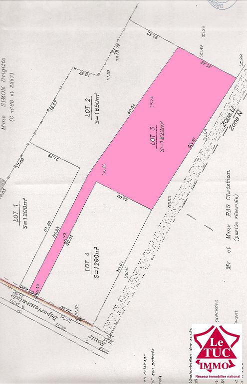 CAMPUGNAN Terrain à bâtir d'environ 1 600 m2