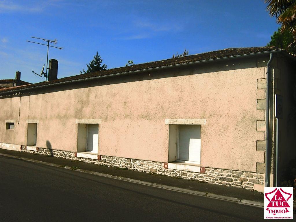 Maison pierres sur terrain 1226 m²  constructible - ST SEURIN DE CURSAC