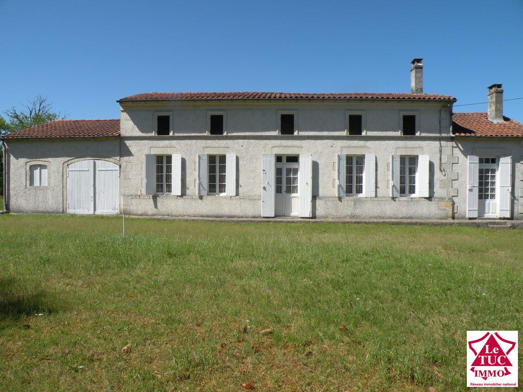 REIGNAC Maison 115 m²  en pierres sur 2 898 m²