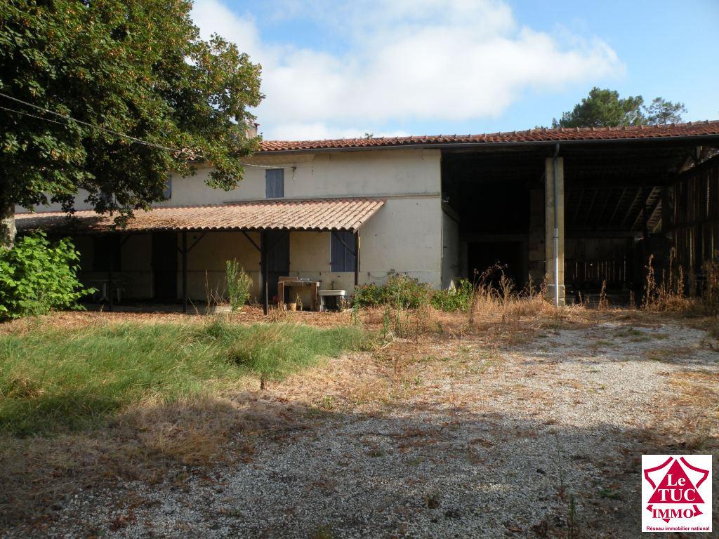 REIGNAC Maison 90 m2  à rénover  sur 1 900 m²