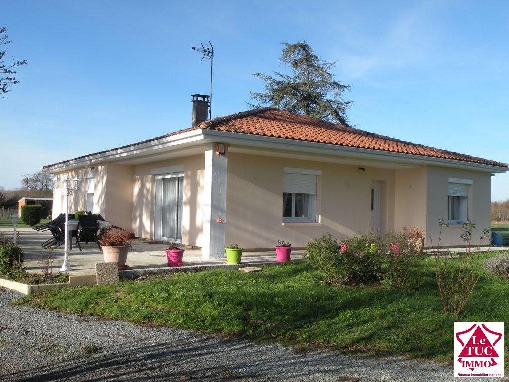 ETAULIERS Maison 150 m²  rénovée sur  2 ha 44 ares