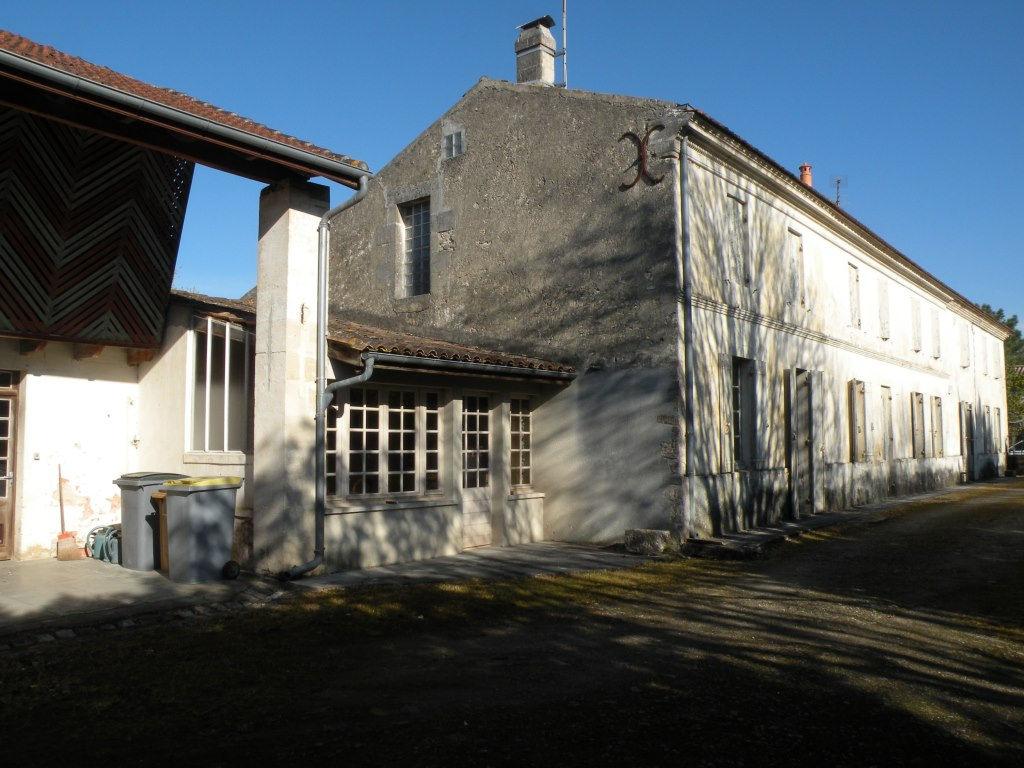 CARTELEGUE  Maison 280 m²  avec dépendances sur 2 600 m²