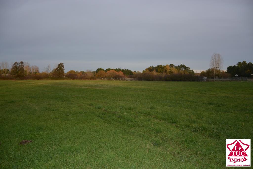 CARTELEGUE Terrain à batir de 1340 m²