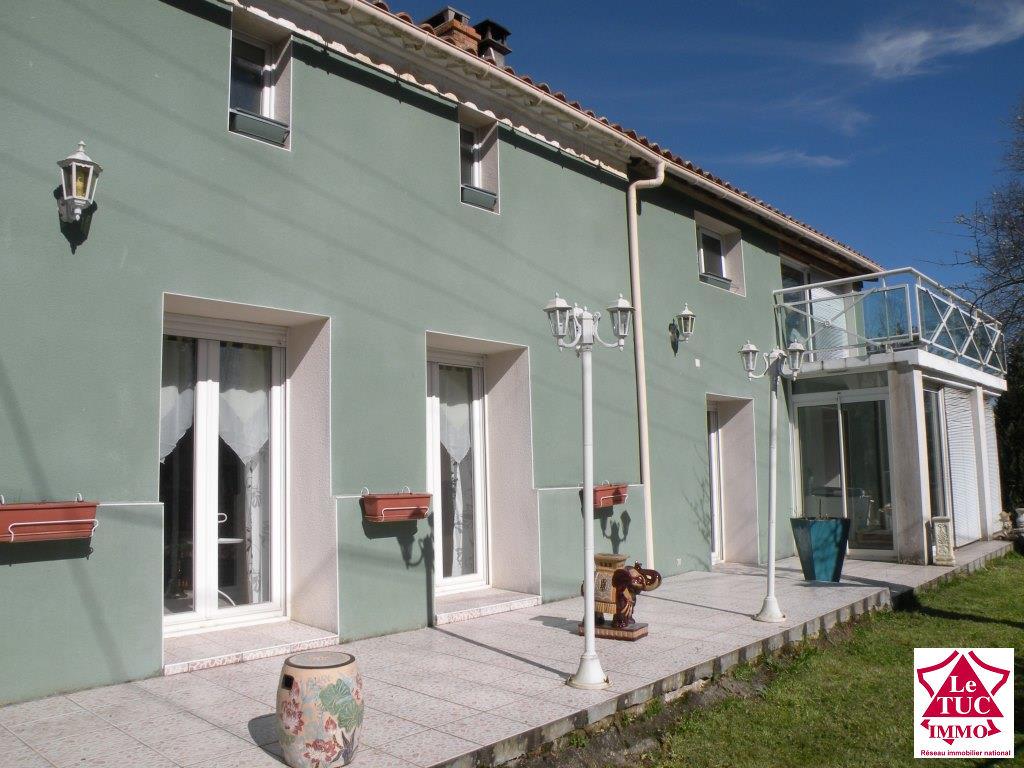 MARCILLAC Maison en pierres et moellons 170 m² sur 4 570 m²