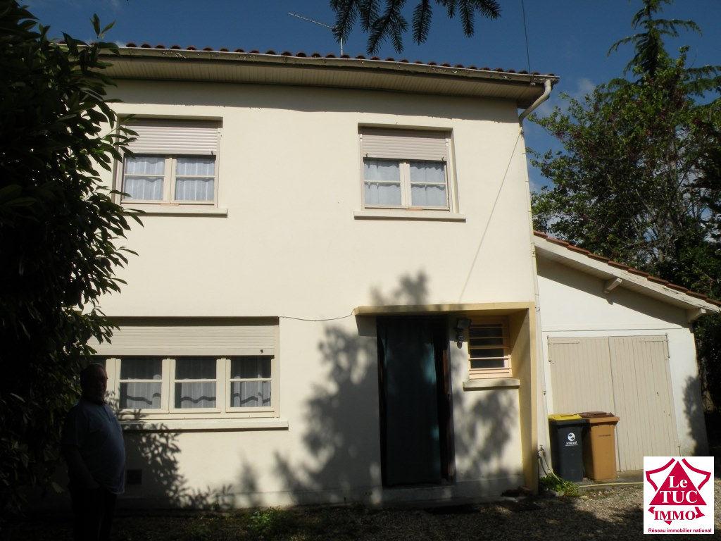 BLAYE Maison  95 m² sur 500 m² 3 chambres un bureau
