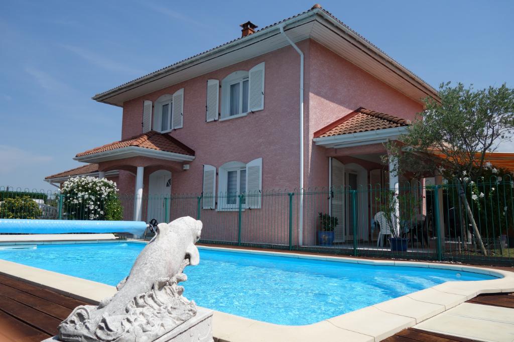 Rare à la vente - Maison individuelle de 135 m2 édifiée sur un terrain de 740 m²