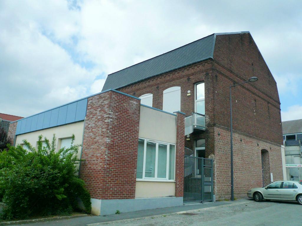 Photo CAUDRY Immeuble entièrement rénové image 1/1