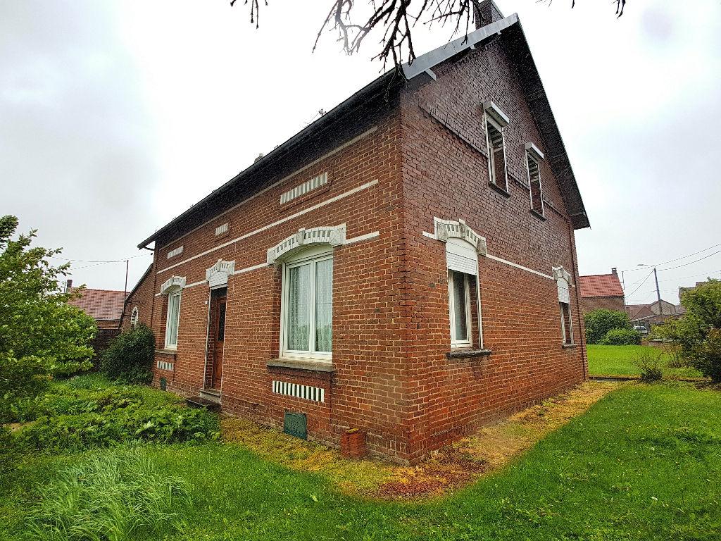 Très proche CAUDRY Maison individuelle à rénover